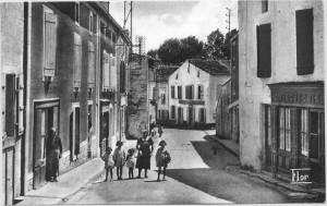 rue des ponts avec la poste